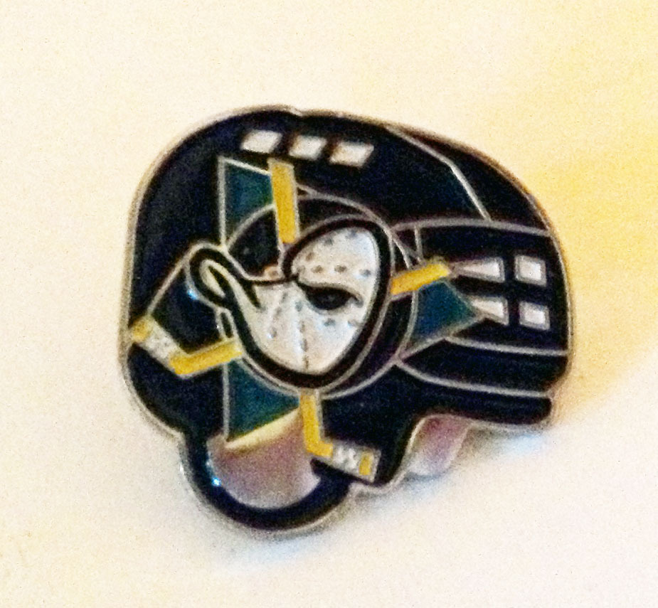 Helm Pin Anaheim Mighty Ducks